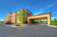 Hampton Inn Crossville Image