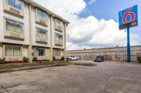 Motel 6 Houston North-Spring Image