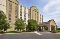 Holiday Inn And Suites Chicago Northwest Elgin Image