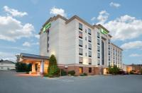 Holiday Inn Express Hotel & Suites Bloomington Image