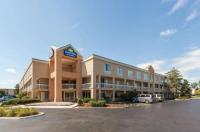 Days Inn & Suites Warren Image
