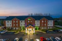 Holiday Inn Express Hotel And Suites Bedford Image