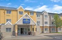 Microtel Inn By Wyndham Denver Image