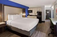 Denver's Best Inn And Suites Image