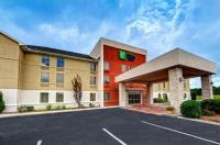 Holiday Inn Express Hotel & Suites Crossville Image