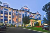 Courtyard By Marriott  Long Island Macarthur Image